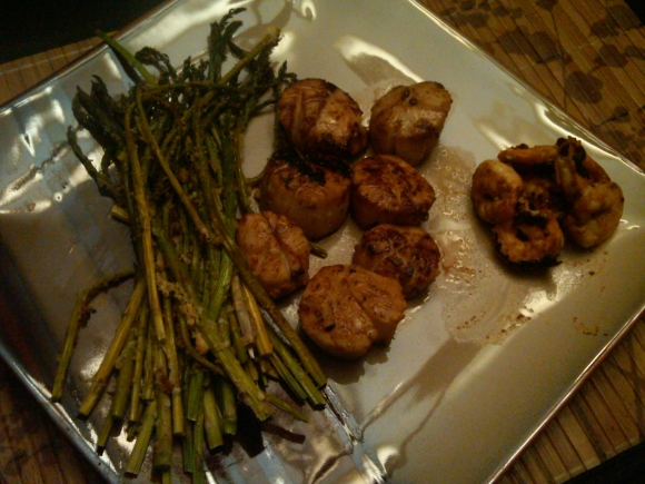 Friday Night Scallops and Asparagi